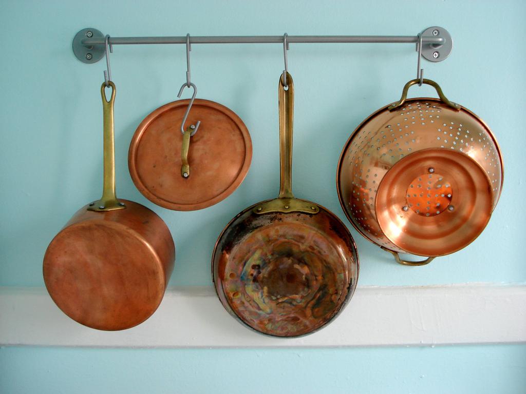 铜锅碗瓢盆 , Jocelyn Durston 拍摄