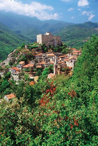Castelvecchio di Rocca Barbena,Turismo in Liguria拍摄