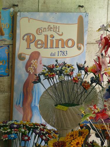 杏仁糖(confetti)  在 Sulmona by Giuseppesavo