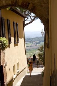 通向蒙帕萨罗观景点的路 Montepulciano