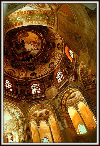拉文纳(Ravenna)的San Vitale内部,Luca Argalia拍摄