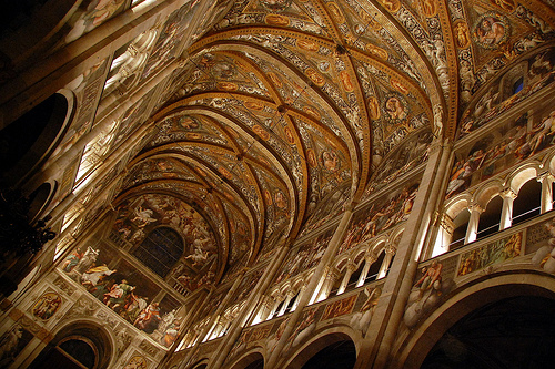 Parma的 Duomo内部,Antonio Trogu拍摄