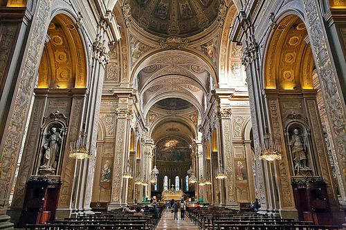 菲拉拉(Ferrara)Duomo(天主教堂)内部,Alessandro Grussu拍摄