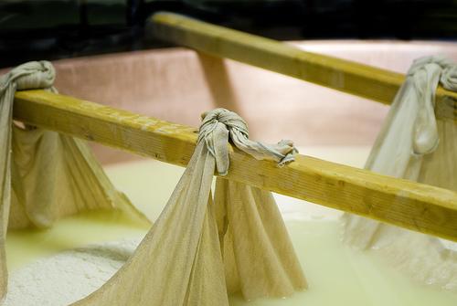 制作Parmigiano-Reggiano奶酪,Claudio Maneti拍摄