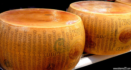 ParmigianoReggiano 奶酪,Desiree Tonus拍摄
