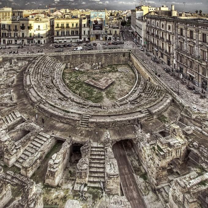 莱切(Lecce)的罗马圆形露天剧场,