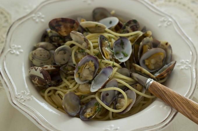 Spaghetti alle vongole (意大利面条配蛤蜊), 吴维端 拍摄