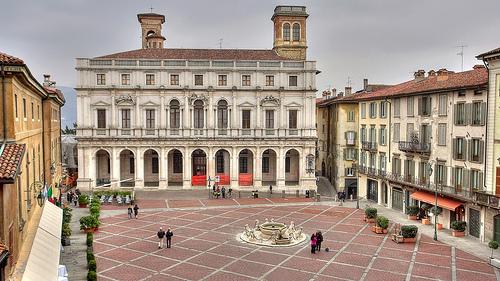 Piazza Vecchia,Bergamo,NervousEnergy拍摄