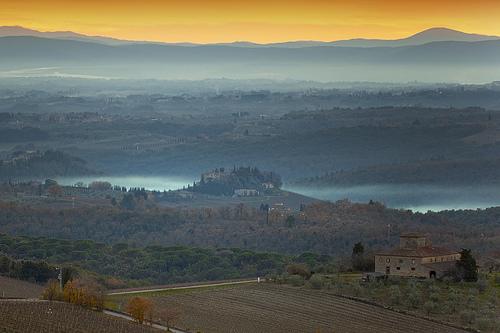 Chianti乡村的Castello di Brolio,Giuseppe Moscato拍摄