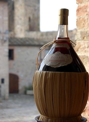 Chianti烧瓶,Giulio Nepi拍摄