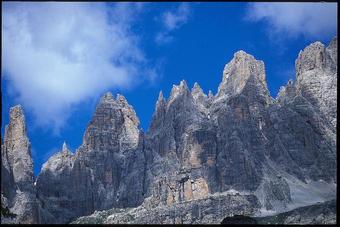 白云石山的Gruppo del Brenta,Giallo 1963拍摄