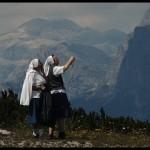 敬拜自然的修女,Lorenzo Maddalena拍摄