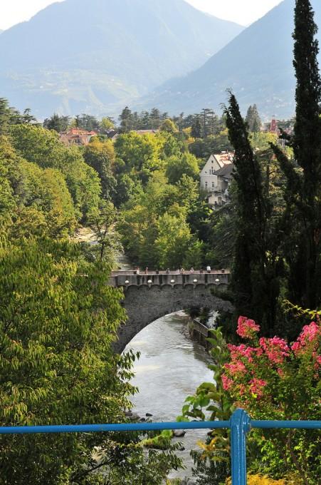 罗马桥,Passeggiata Tappeiner ,Kuverwaltung Meran拍摄