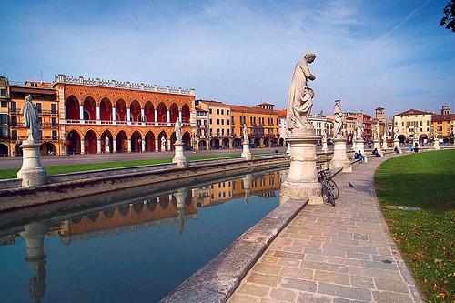 Padova的Prato della valle,Italy Travel Experience拍摄