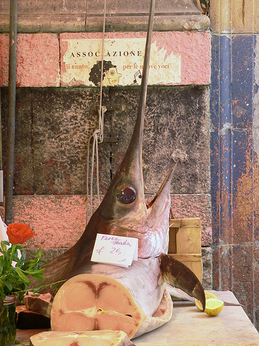 巴勒莫La Vucciria市场的旗鱼,Steve Silverman拍摄