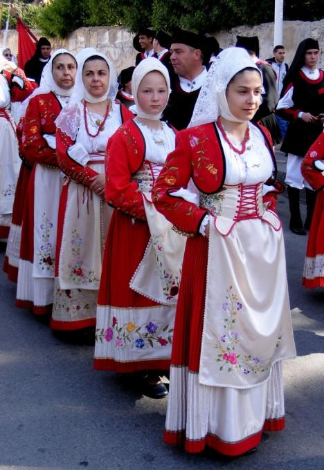 马科梅尔的传统服饰,Gureu拍摄