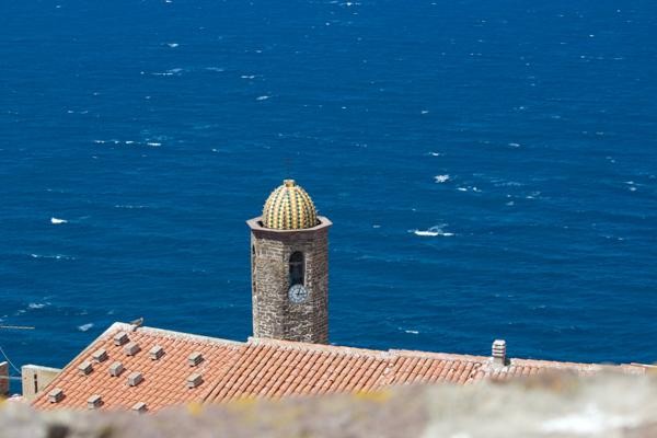 Castelsardo的堡垒望出去的景色