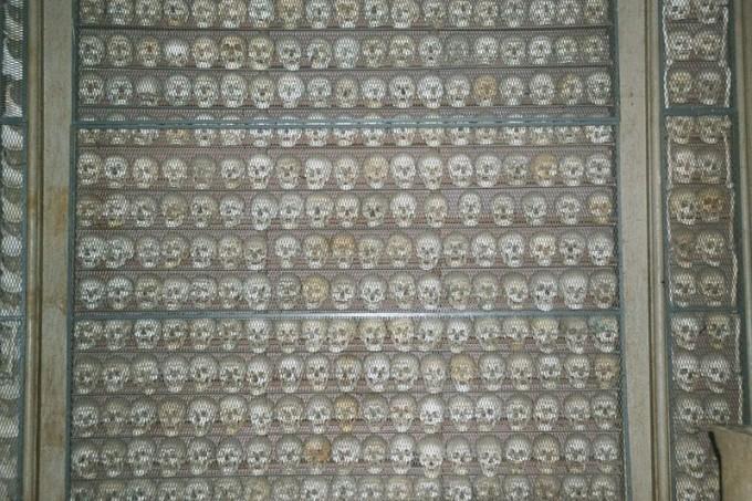 苏法利诺藏骨堂,这里保存着那些在战争中逝去的人们的遗骨,ALEX1011