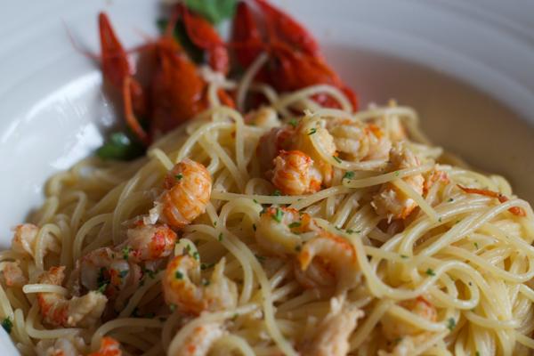 Spaghetti ai gamberi di lago(意大利面条配海鳌虾)