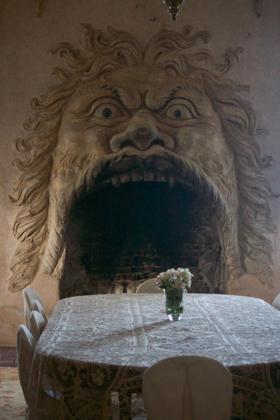 饭厅的主题壁炉