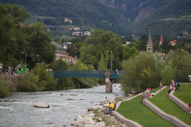 从PASSEGGIATA D'INVERNO过河到PASSEGGIATA D'ESTATE