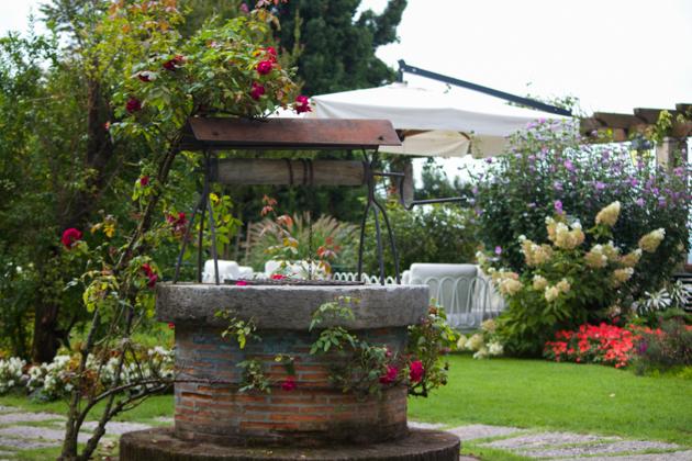 在ASOLO的VILLA CIPRIANI的花园享用早餐