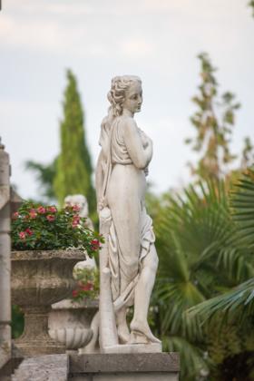 CASTELLO DI SPESSA花园内的雕塑