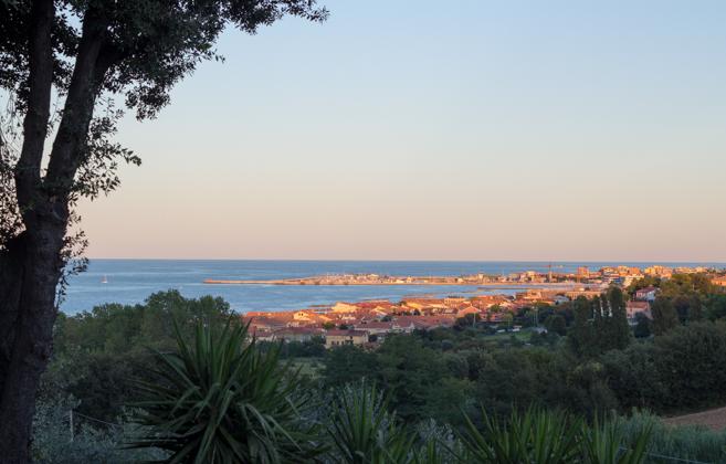 从马尔凯的VILLA GIULIA看FANO的风景