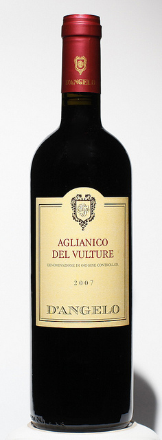 AGLIANICO DEL VULTURE, D'ANGELO, MOESTUE GRAPE SELECTIONS拍摄