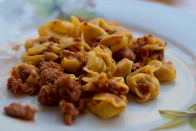 Tortellini con ragu(肉酱填馅新鲜意大利面)