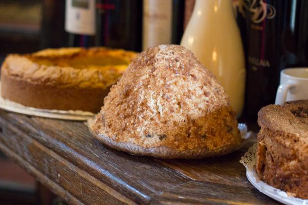 MONTEBIANCO(栗子泥配搅打的奶油、栗子蜜饯和朗姆)—中间