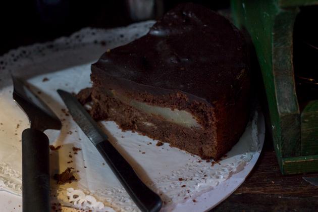 巧克力和梨蛋糕