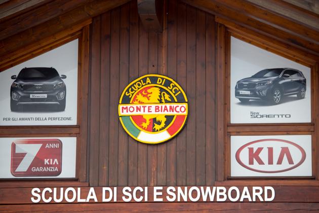 """滑雪学校,或者也可以说是""""寄存孩子的地方"""""""