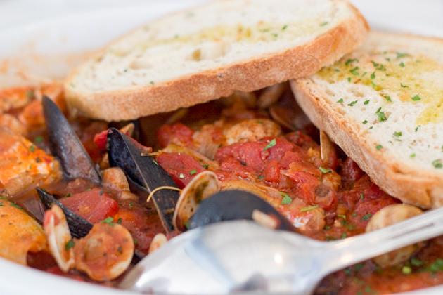 IL MOLO 的 BRODETTO(炖鱼和海鲜)