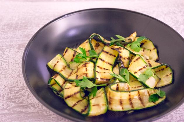 Tagliatelle di zucchine (烧烤小西葫芦片)